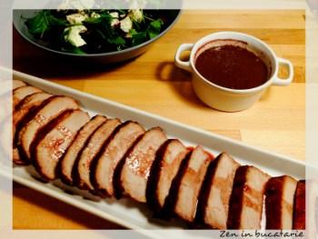 cotlet de porc marinat - sos de vin rosu