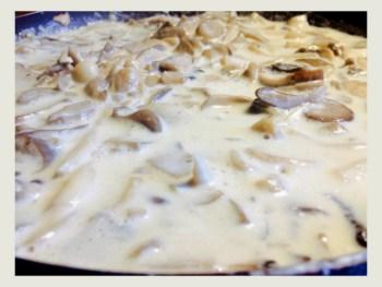 paste cu ciuperci si sos alb