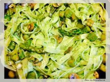 Paste cu sparanghel, ciuperci si pesto de leurda